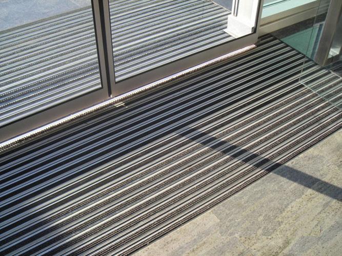 Entrance aluminum mats