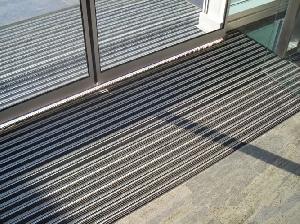 Входни алуминиеви изтривалки
